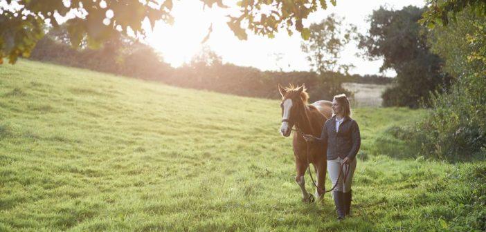 Equitación Centrada, Montar en equilibrio y sin tensión