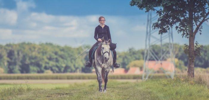 Cómo afecta nuestra postura al caballo cuando montamos