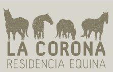 La imagen tiene un atributo ALT vacío; su nombre de archivo es logo-La-Corona-Residencia-Equina.jpg